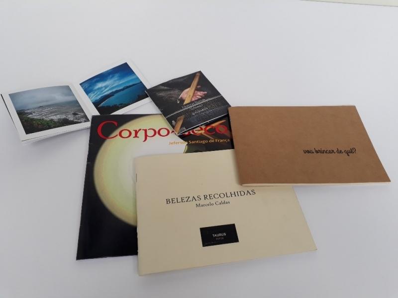 Impressão Digital de Livros Ponte Pequena - Impressão para Adesivos